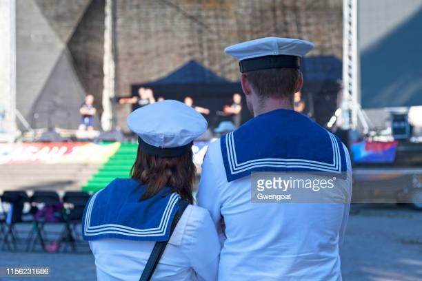 marineros de la royal danish navy - gwengoat fotografías e imágenes de stock