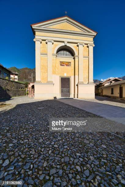 "saint andrews church (""la chiesa di sant'andrea""), bracca, italy - mauro tandoi stock pictures, royalty-free photos & images"