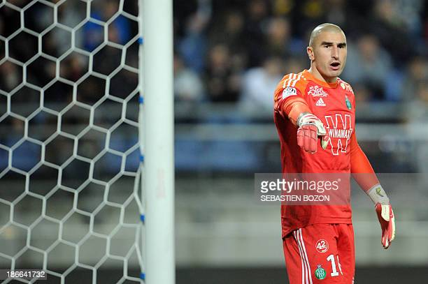 Saint Etienne's French goalkeeper Stephane Ruffier gives instructions to his teammates during the French L1 football match Sochaux against Saint...