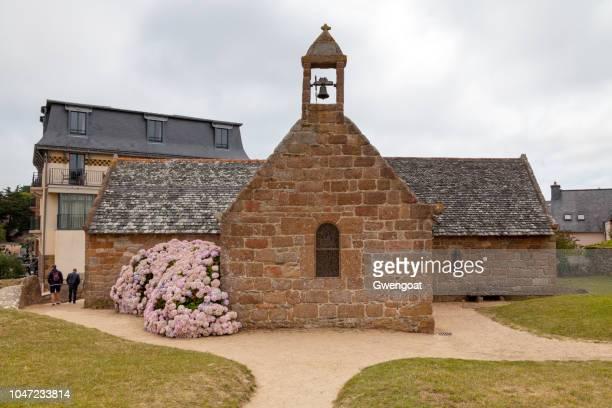 chapelle de saint guirec à perros-guirec - perros guirec photos et images de collection