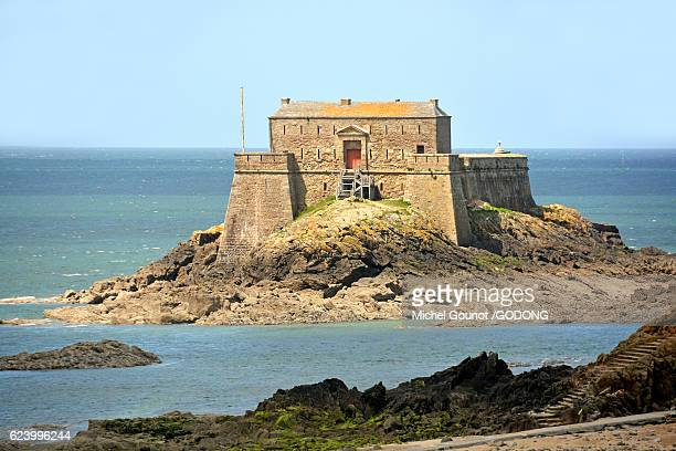 saint malo, ille et vilaine, brittany, france - dinard stock pictures, royalty-free photos & images