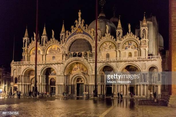saint mark´s basilica at venice, italy. - basilica di san marco foto e immagini stock