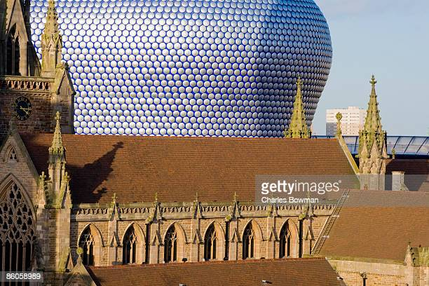 saint martins cathedral, birmingham, england - bullring shopping centre stock pictures, royalty-free photos & images