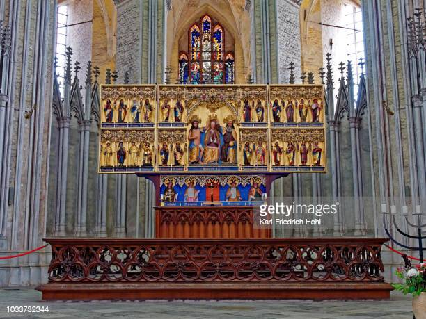 saint mary kroenungsaltar - medieval altar in stralsund - altar stock pictures, royalty-free photos & images