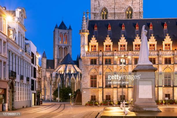 saint nicholas' church, het belfort van gent, sint-baafsplein, ghent, flanders, belgium - flandres oriental imagens e fotografias de stock