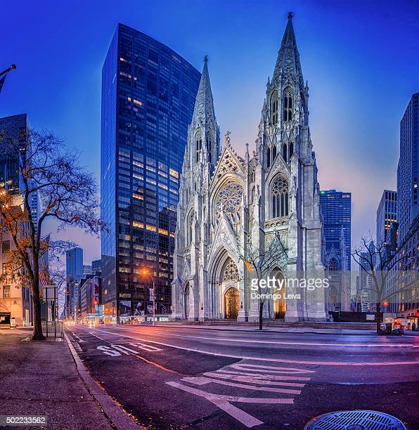 saint patrick's cathedral at dusk - st. patricks cathedral manhattan stock photos and pictures