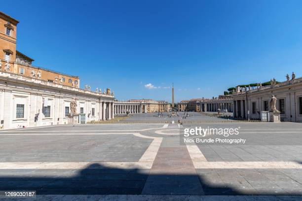 saint peter's square, rome, italy. - st. peter's square stock pictures, royalty-free photos & images