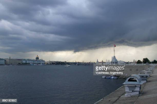 saint petersburg and neva river under heavy clouds - argenberg stock pictures, royalty-free photos & images