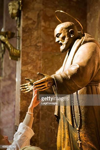 Saint Pio, devotion