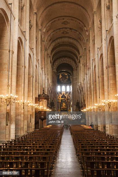 saint sernin basilica, nave - nave stock pictures, royalty-free photos & images