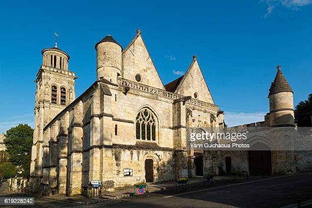 saint sulpice church at pierrefonds, forest of compiegne, oise,picardy,france - compiegne stock pictures, royalty-free photos & images