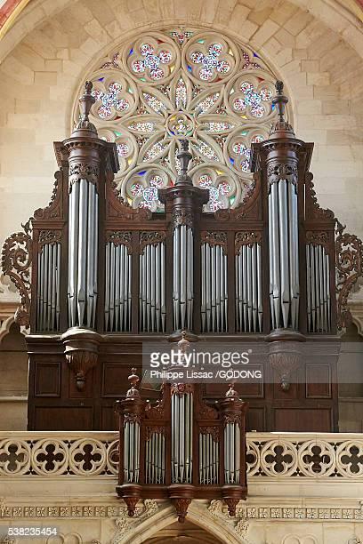 saint vincent's cathedral, chalon sur saone. 18th century organ. - シャロンシュルソーヌ ストックフォトと画像
