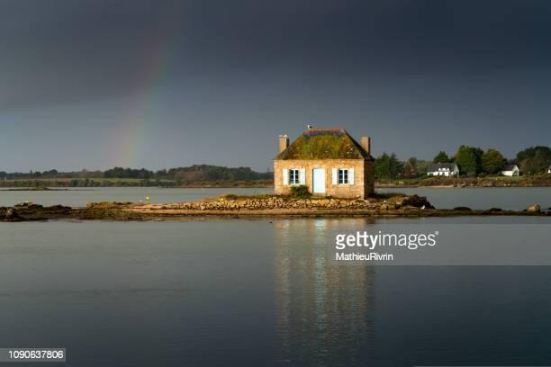 saint-cado, arc en ciel  dans la ria d'etel - golfe du morbihan photos et images de collection
