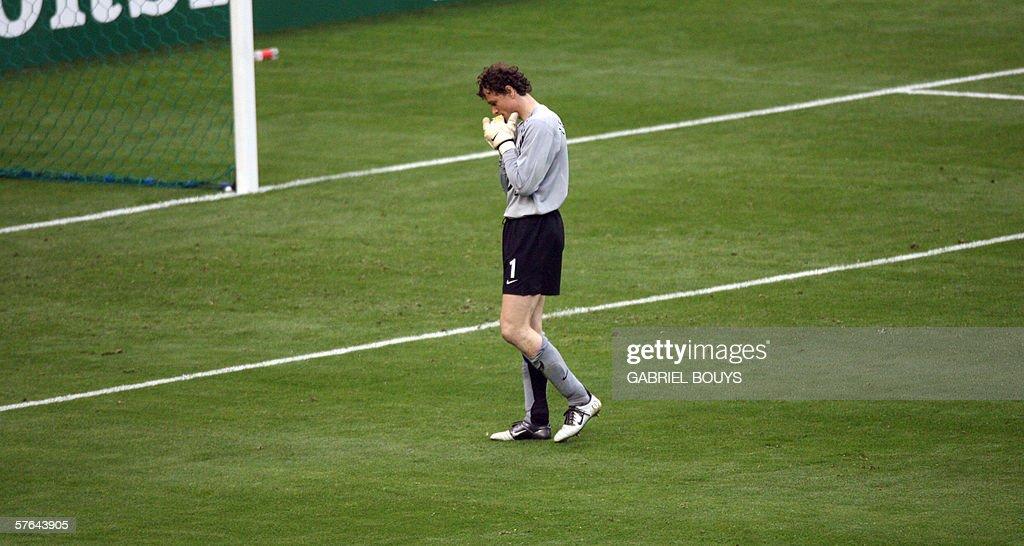 Arsenal's German goalkeeper Jens Lehmann : News Photo