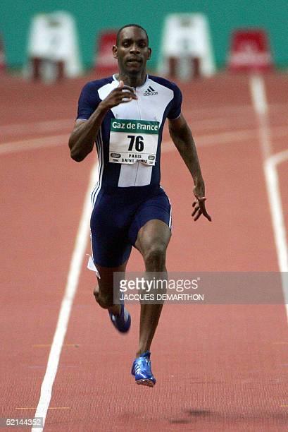 Photo prise le 23 juillet 2004 de l'athlete Ronald Pognon lors d'un meeting a SaintDenis Pognon a battu le record de France du 60 m en 6 sec 51/100 a...