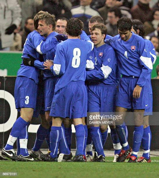 Slovakia's players celebrate after scoring a goal during the friendly football match France vs Slovakia as part of France's Fifa World Cup warmup 01...