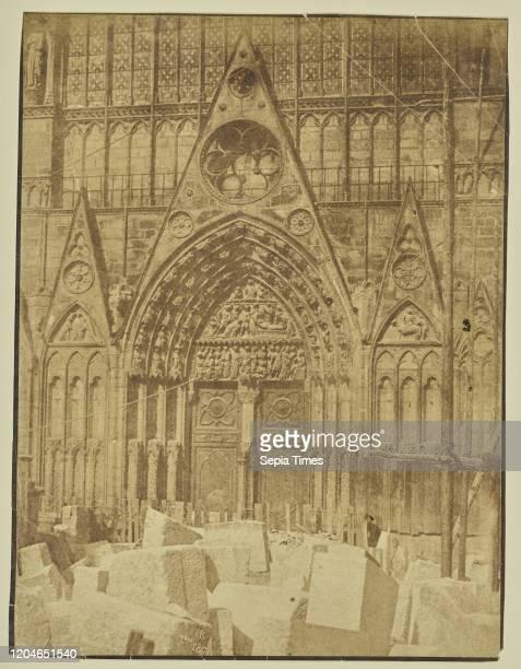 Saint-Etienne portal, Notre Dame, Hippolyte Bayard , Paris, France, September 1847, Albumen silver print, 22.9 _ 17.5 cm .