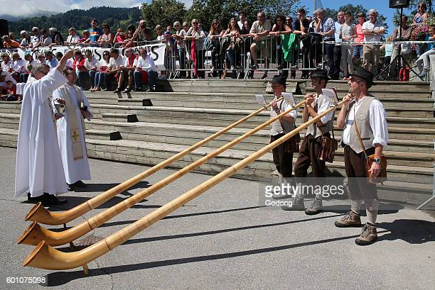 SaintGervais traditional moutain guides festival Alphorn players France