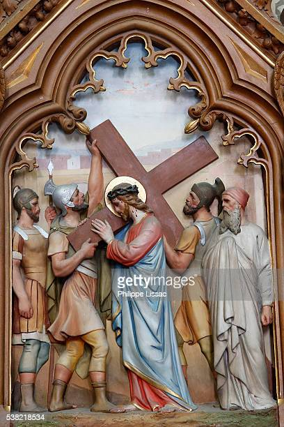 saint-jacques le majeur church, houdan. station of the cross - stations of the cross stock pictures, royalty-free photos & images