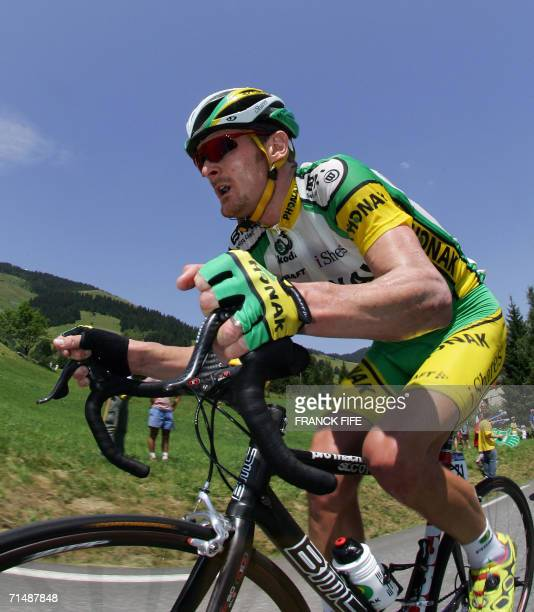 Saint-Jean-de-Maurienne, FRANCE: USA's FLoyd Landis rides during the 200.5 km seventeenth stage of the 93rd Tour de France cycling race from...