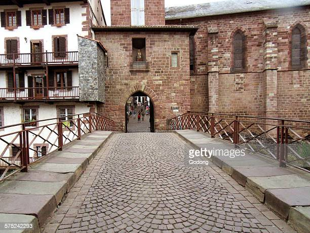 saint-jean-pied-de-port. - saint jean pied de port stock photos and pictures
