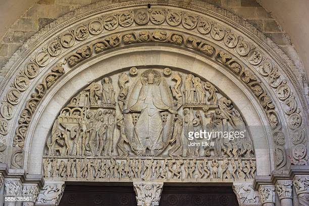 saint-lazare cathedral, last judgment tympanum - bas relief stock pictures, royalty-free photos & images