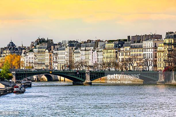 saint-louis island in paris - paris island stock photos and pictures