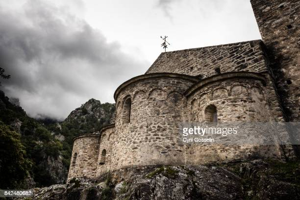 saint-martin du canigou - kirche stock pictures, royalty-free photos & images