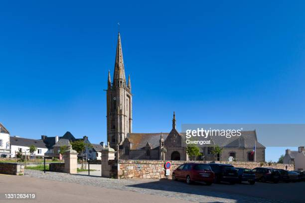 saint-pierre church in plougasnou - gwengoat stock pictures, royalty-free photos & images