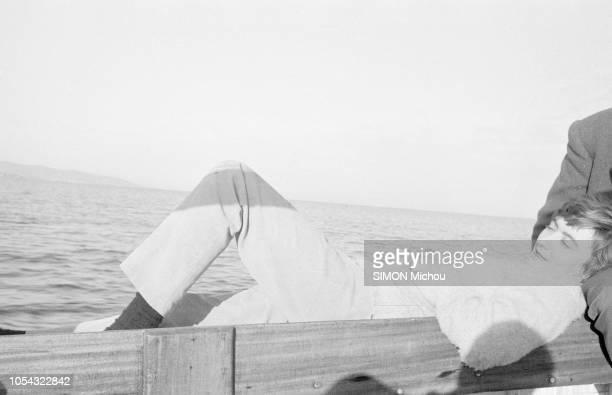 SaintTropez France mars 1958 Pour le dernier weekend avant le mariage Françoise SAGAN a emmené son fiancé Guy SCHOELLER à SaintTropez Ici la...