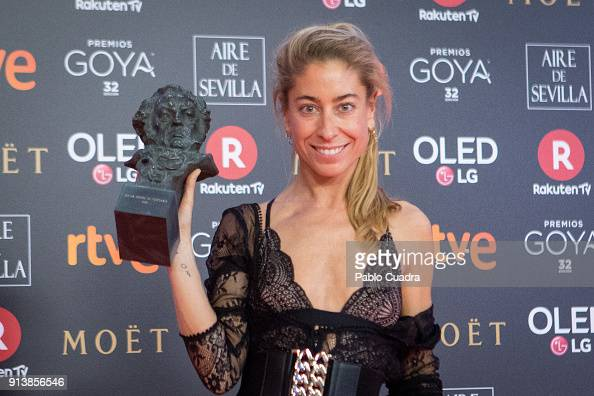 Saioa Lara Holds The Best Costume Design Award Award For The Film News Photo Getty Images