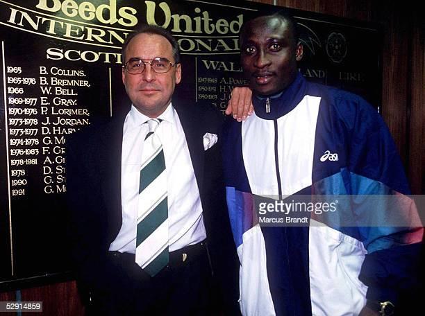 Saison 94/95 LEEDS UNITED 24195 Manager LEUKEL mit Anthoni YEBOAH