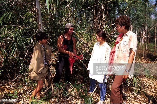Sakol Daengphaisit Oliver Tobias Lisa Wolf Gerit Kling ZDFSerie Verschollen in Thailand Folge 6 Grüße aus Burma am Surat Thani Thailand