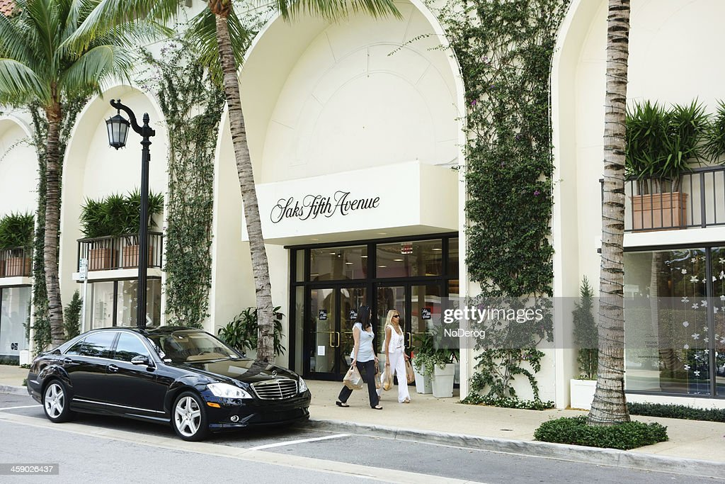 Saks Fifth Avenue store : Stock Photo