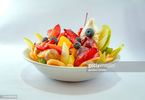 salad fruit dish - 果物の盛り合わせ ストックフォトと画像