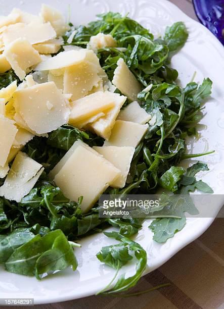 Salat von Rucola und Parmesan