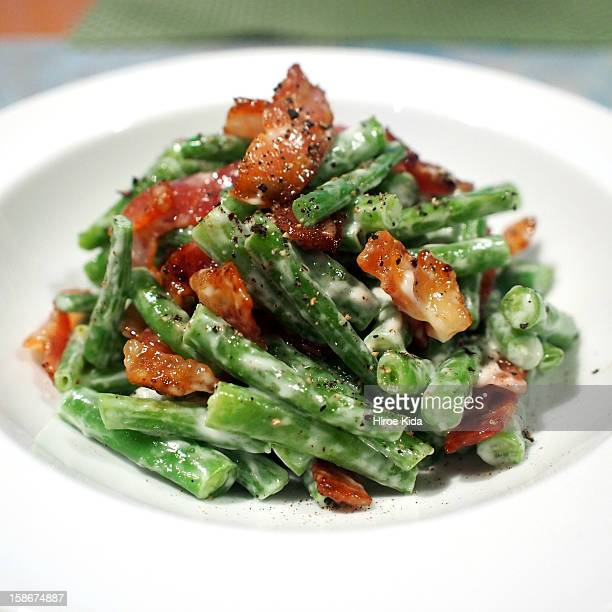 Salad of kidney beans with bacon