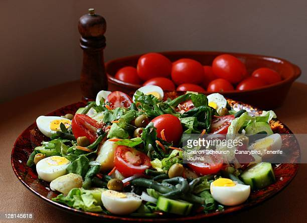 Salad platter with tomatoes