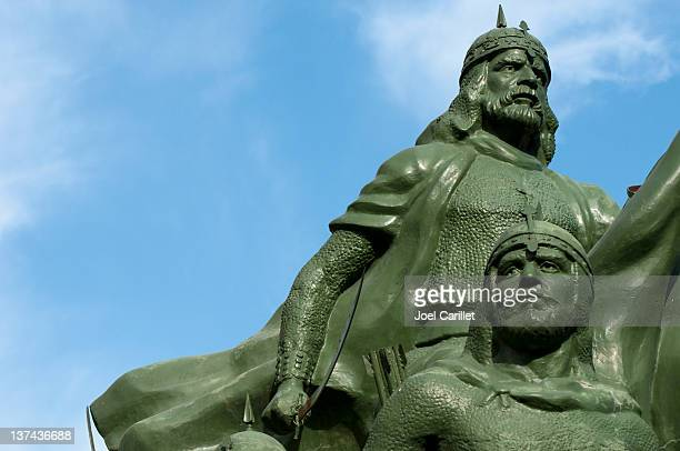 saladin statue in damascus, syria - damascus stock pictures, royalty-free photos & images