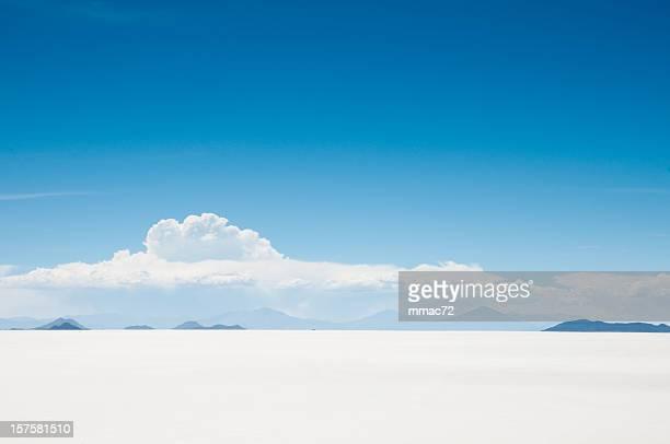 salar de uyuni, bolivia - salt flat stock pictures, royalty-free photos & images