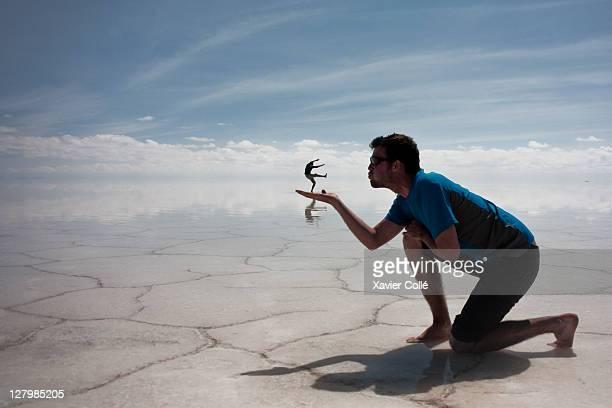 salar d'uyuni - salt flat stock pictures, royalty-free photos & images