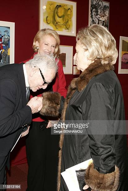 Sale In Drouot For The Profit Of Yellow Pieces 2005 Association On February 14Th 2005 In Paris France Pierre Cardin And Bernadette Chirac