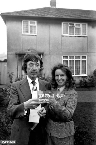 Sale of council house in Rowley Regis Ron Jukes and wife Margaret were Sandwell's first to buy their council home for ú7900 5th December 1978