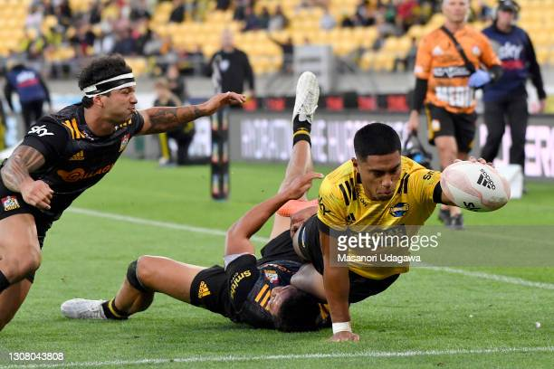 Salesi Rayasi of the Hurricanes scores a try during the round four Super Rugby Aotearoa match between the Hurricanes and the Chiefs at Sky Stadium,...