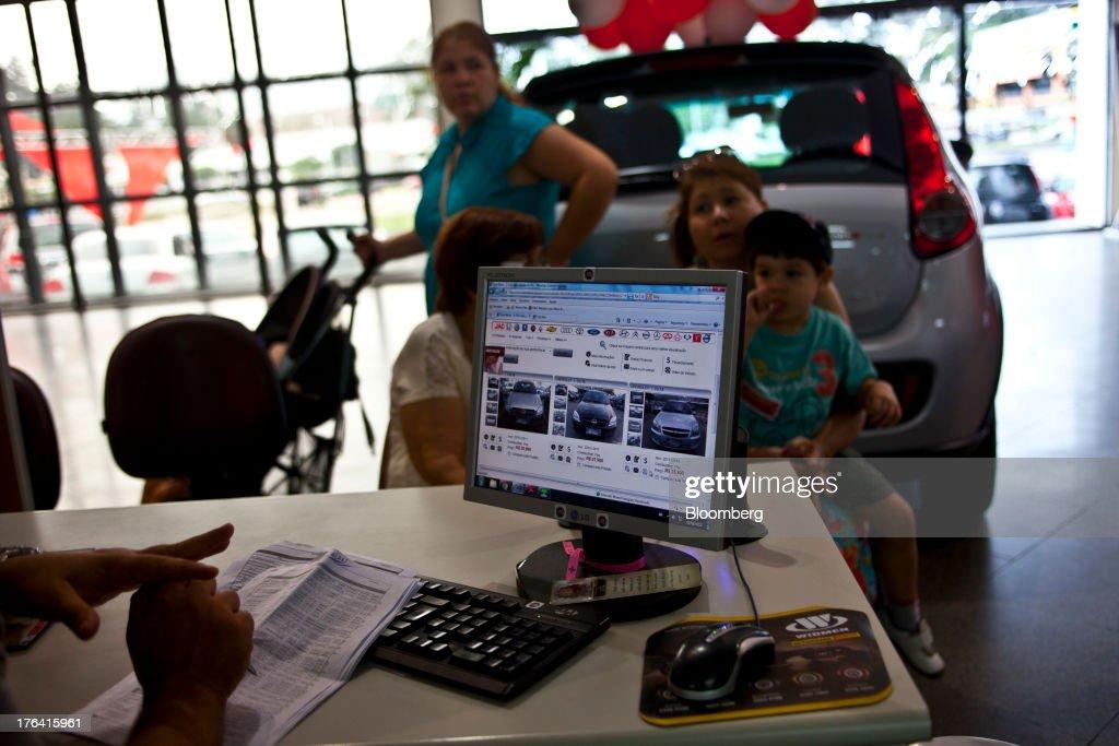 Inside A Fiat SpA Dealership As Brazil July Auto Sales Rose : News Photo