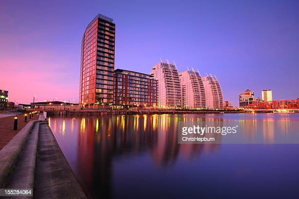 salford quays apartments - salford stock pictures, royalty-free photos & images