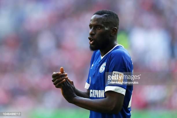 Salif Sane of FC Schalke 04 gives his team instructions during the Bundesliga match between Fortuna Duesseldorf and FC Schalke 04 at EspritArena on...