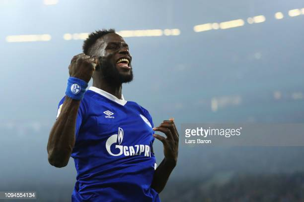 Salif Sane of Schalke 04 celebrates scoring his teams fourth goal of the game during the DFB Pokal Cup match between FC Schalke 04 and Fortuna...