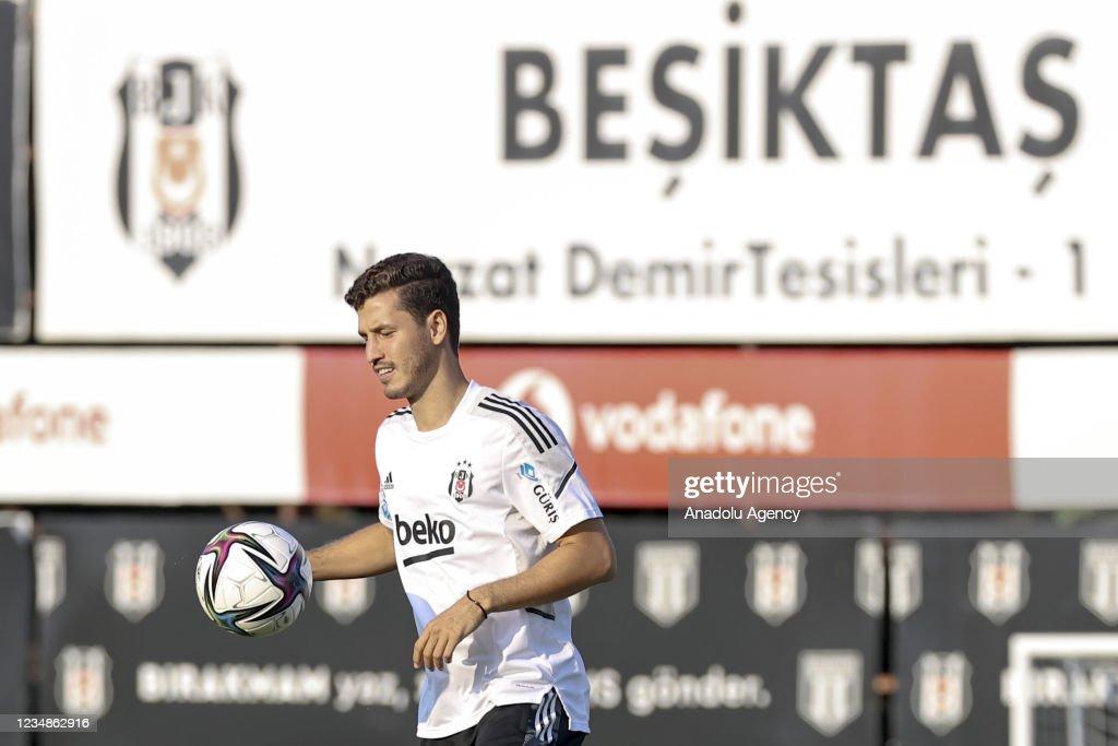 Ahead of Besiktas v Vavacars Fatih Karagumruk - Turkish Super Lig : News Photo