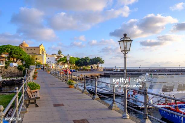 salina, italy - ocober 11, 2019 - the harbour of the aeolian island salina - finn bjurvoll stock pictures, royalty-free photos & images